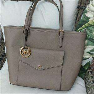 Michael Kors Jetset Large Snap Pocket Tote Bag